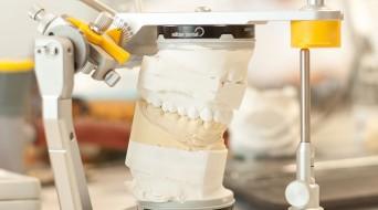 Kiefergelenks- und Schienentherapie