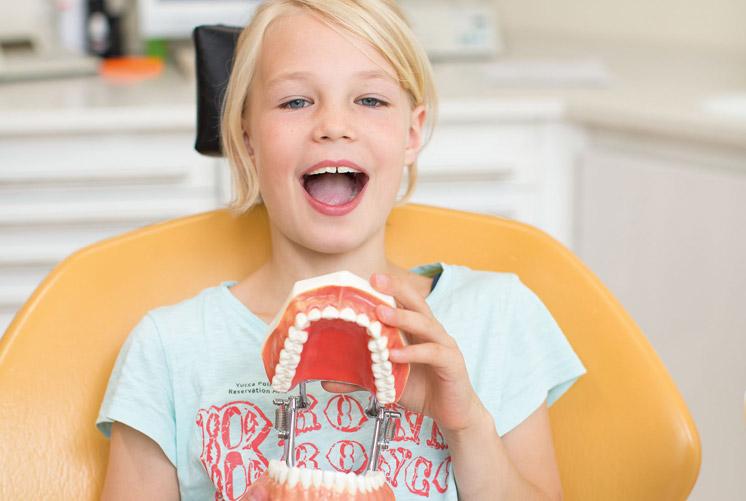 Ästhetische Zahnheilkunde Invisalign